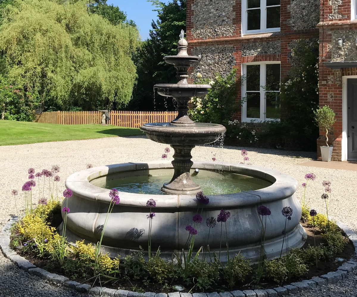 3 Tiered Windsor Fountain With Stanford Pool Surround